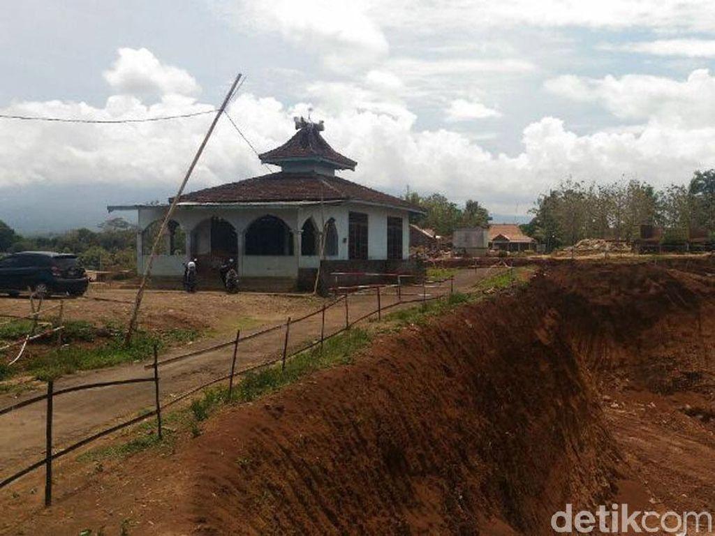 Masjid Ini Masih Berdiri di Lokasi Proyek Jalan Tol Semarang