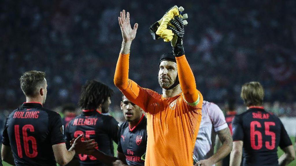 Arsenal Menang, Giroud dan Wenger Kompak Puji Kehebatan Cech