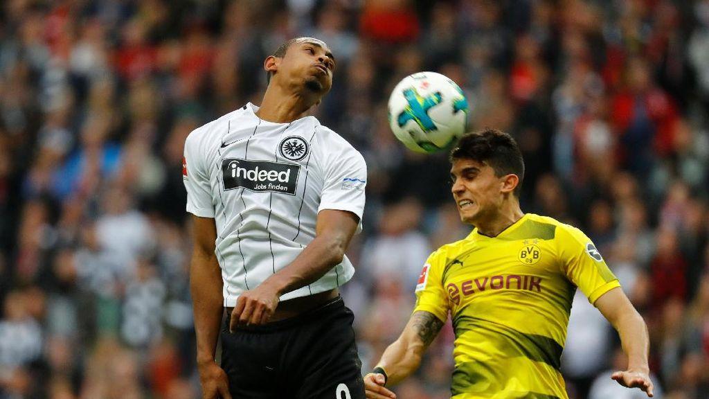 Buang Keunggulan Dua Gol, Dortmund Diimbangi Frankfurt