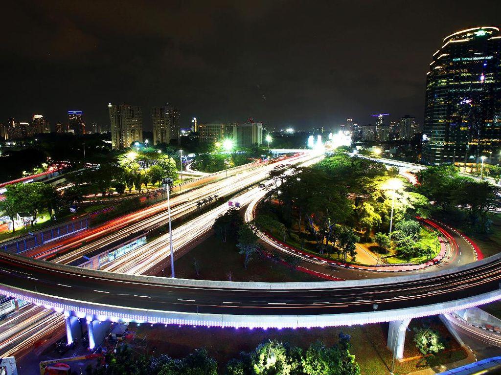 Wajah Baru Jakarta: Kerlap-kerlip Simpang Susun Semanggi