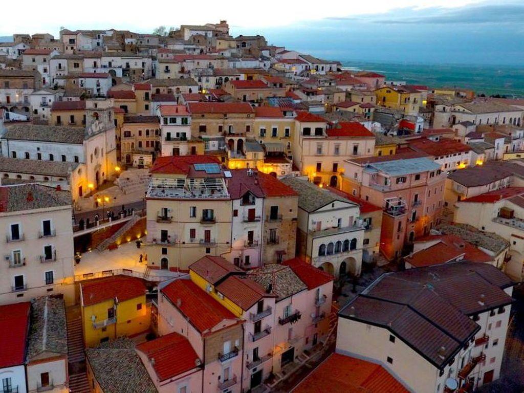 Foto: Dibayar Buat Pindah ke Italia