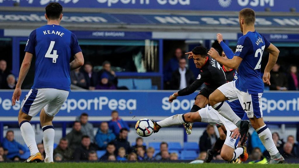 Arsenal Hantam Everton 5-2