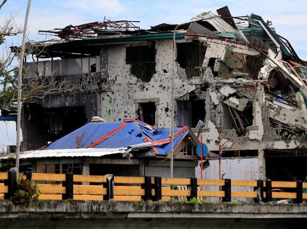 Reruntuhan dan Jejak Berantas Teroris Pro-ISIS di Marawi