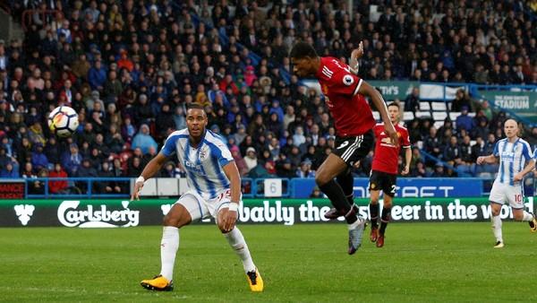 Huddersfield Hadapi MU di Waktu yang Salah