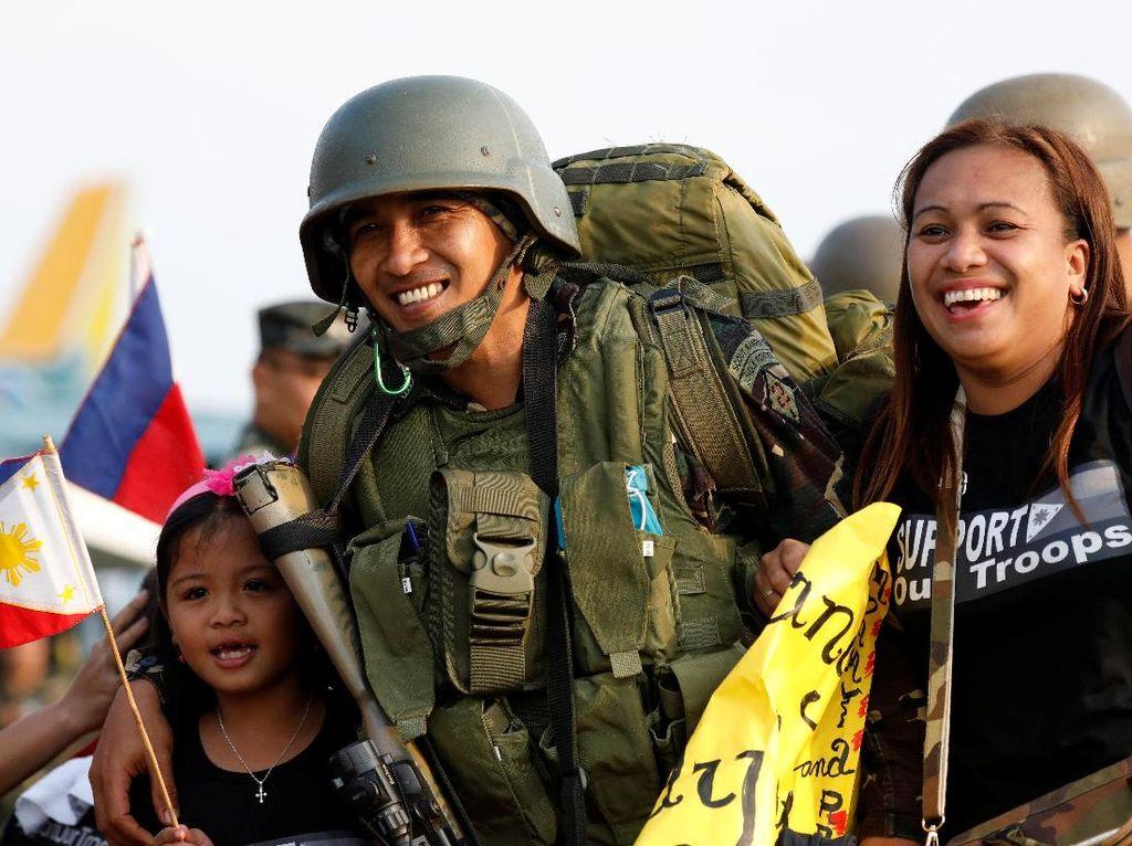 Foto: Saat Militer Filipina Ditarik dari Marawi