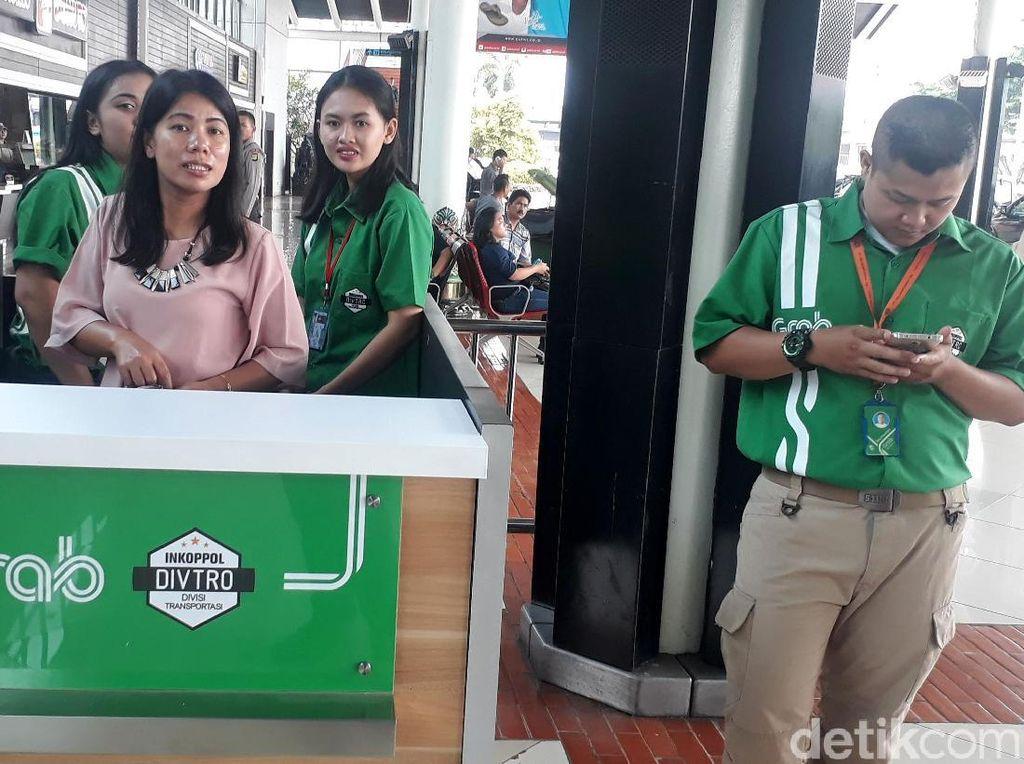 Grab Sudah Resmi di Bandara Soetta, Go-Car dan Uber Kapan?