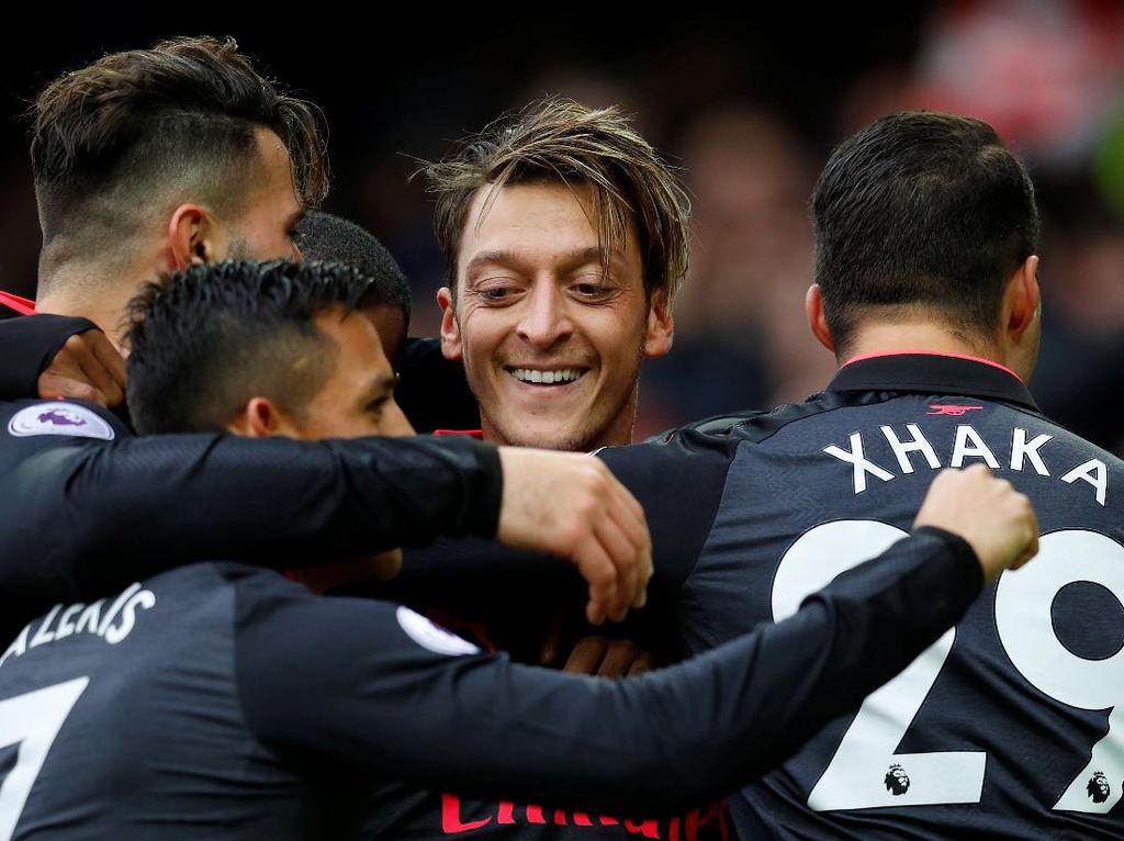Arsenal Coba Menantang Kutukan Bulan November