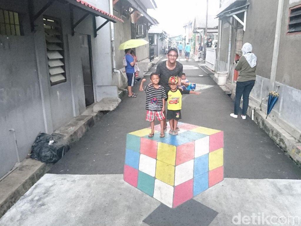 Kreatif! Jalanan Kampung di Depok Disulap Jadi Lukisan 3D