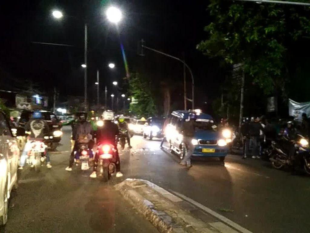 Tabrakan di Ciracas, 2 Sepeda Motor Rusak Parah