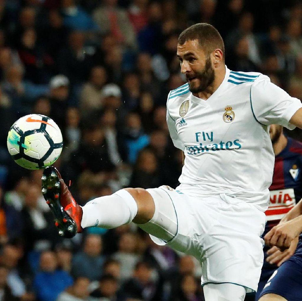 Zidane: Benzema Tidak Overrated