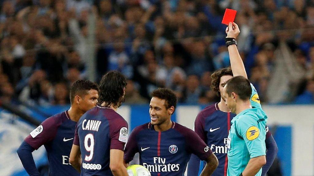 Neymar Dikartu Merah dalam Le Classique, Emery: Ia Diprovokasi