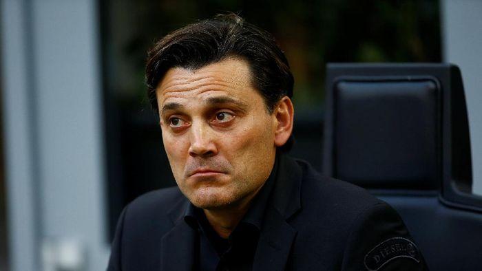 Kursi pelatih Vincenzo Montella di AC Milan dalam ancaman. Foto: Stefano Rellandini/Reuters