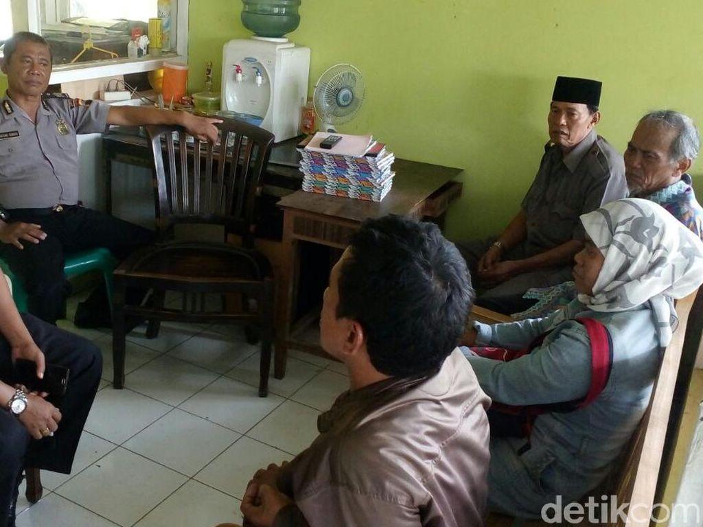 Terciduk, Pasangan Selingkuh Ini Berbuat Mesum di Toilet Masjid