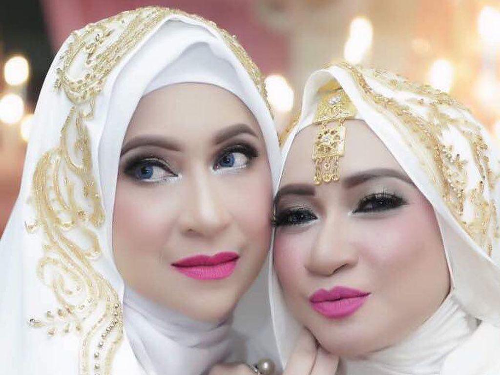 Foto: Gaya Hijab Aktris Silvana Herman, Ini Penampilan Terbarunya di Usia 51