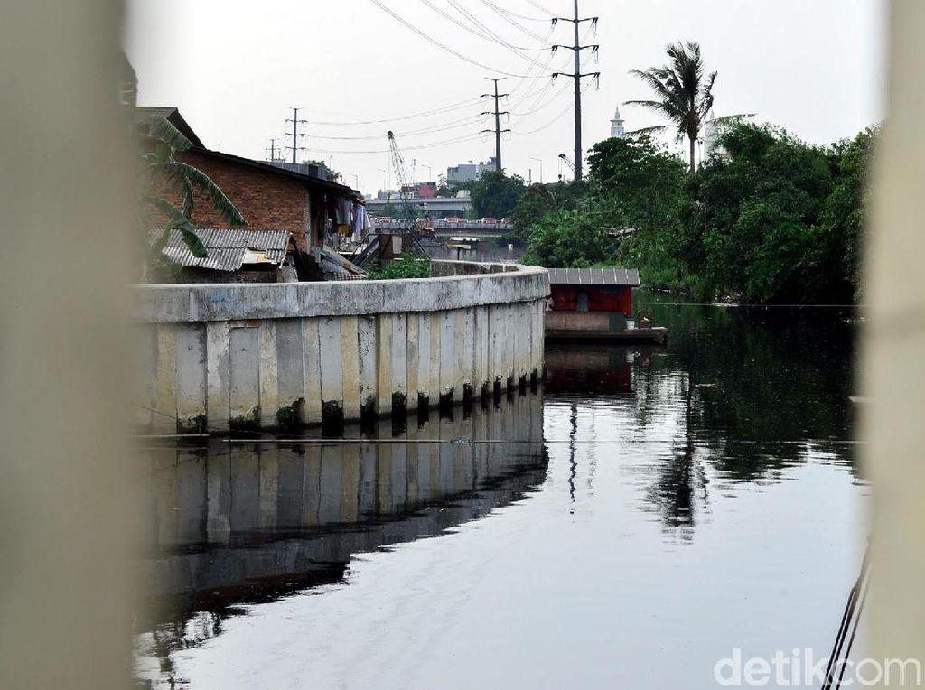8 Kali Belum Dinormalisasi, 129 Kelurahan DKI Waspada Banjir