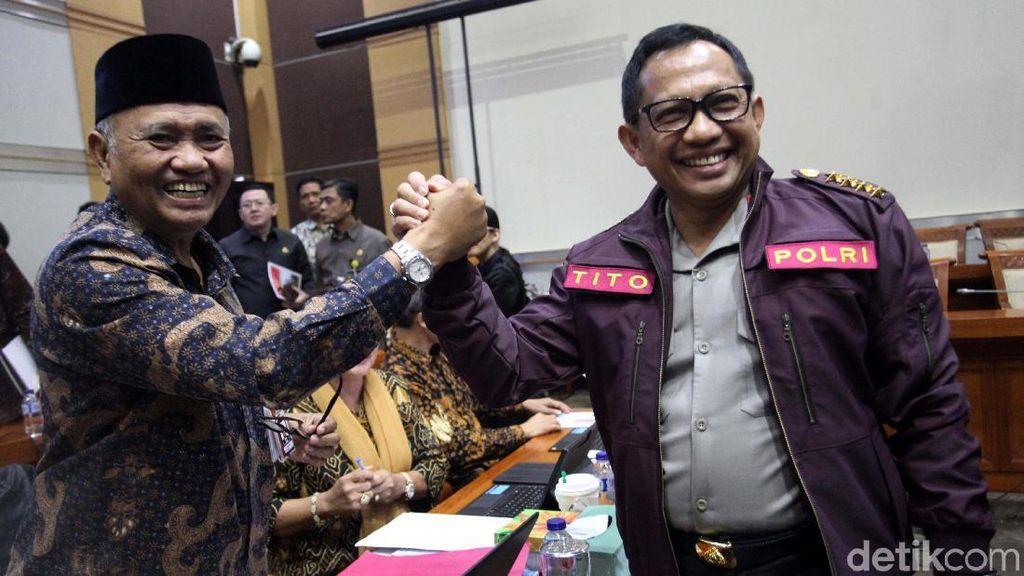 Kapolri dan Ketua KPK Salam Komando