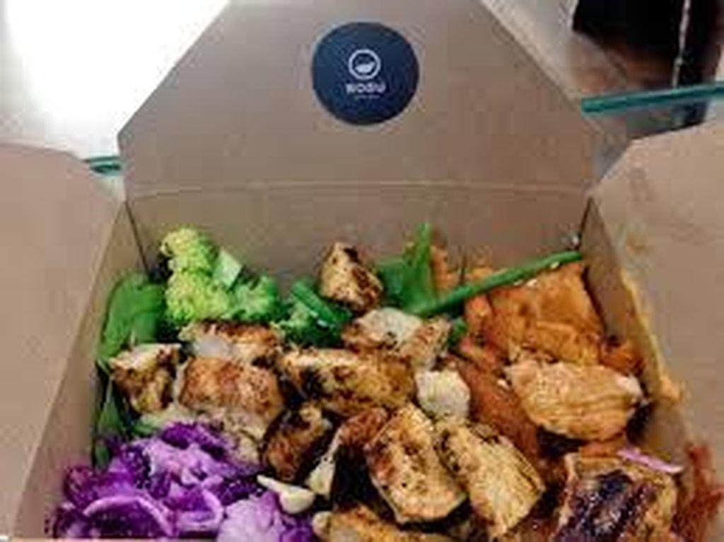 Terpuji! Tiap Malam Restoran Ini Tinggalkan Makanan Enak untuk Para Tunawisma