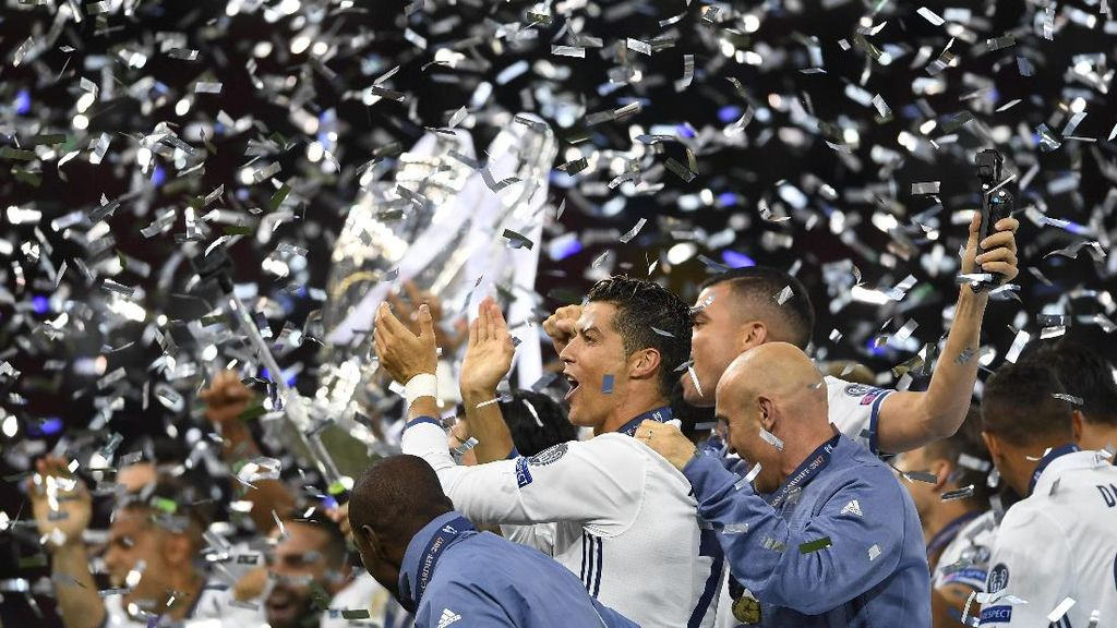 Momen-momen yang Mengantar Ronaldo Jadi Pemain Terbaik Dunia