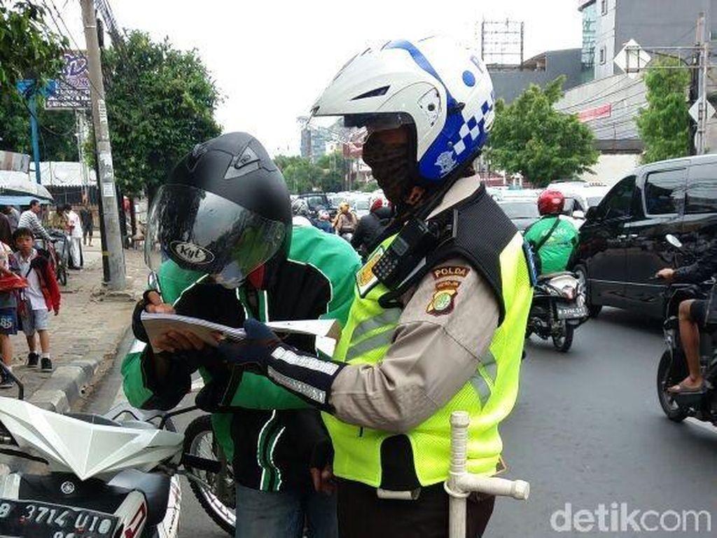 Lawan Arus di Jalan Dewi Sartika, 14 Pemotor Ditilang