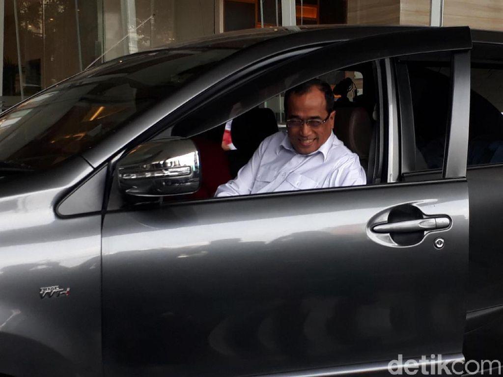 Sopir Taksi Pekanbaru Curhat ke Menhub Soal Taksi Online