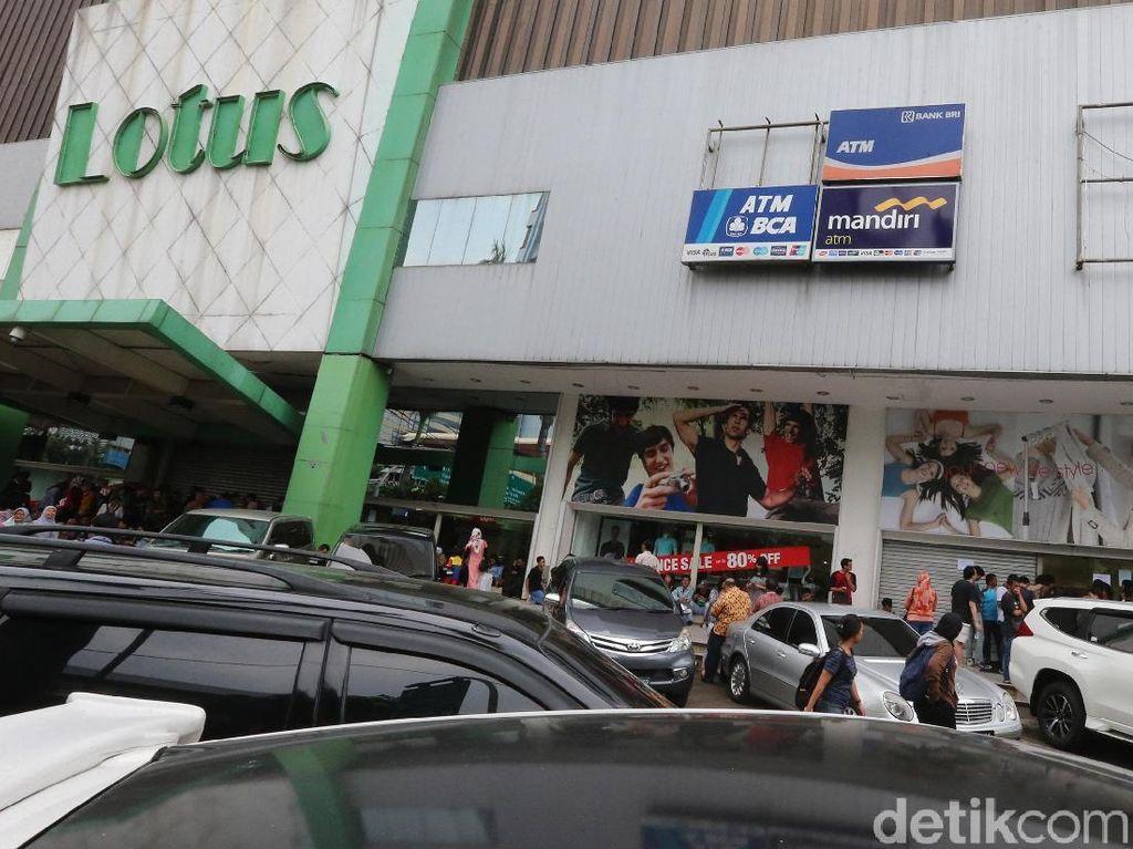 Lotus Tutup Ikuti Sevel, Industri Ritel Masuk Musim Gugur?