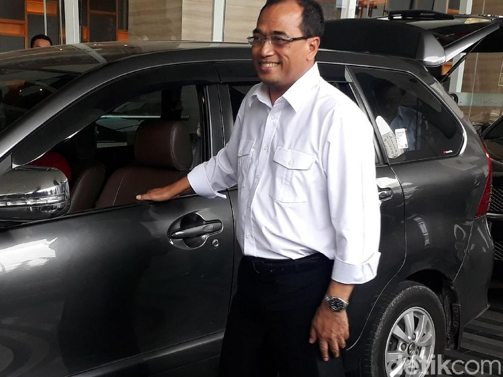 Video saat Menhub Budi Blusukan Naik Taksi Online