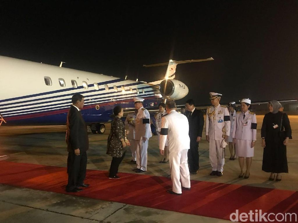 Diutus Khusus Jokowi, Megawati Hadiri Upacara Kremasi Raja Bhumibol