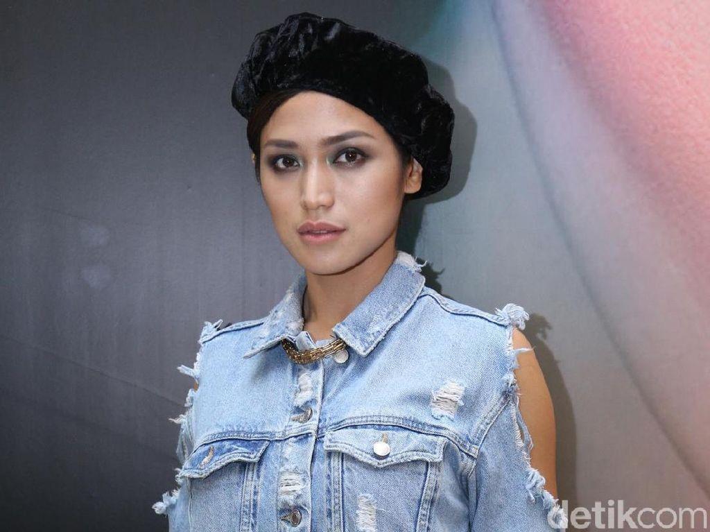 Jessica Iskandar Hormati Keputusan Chacha Frederica Berhijab