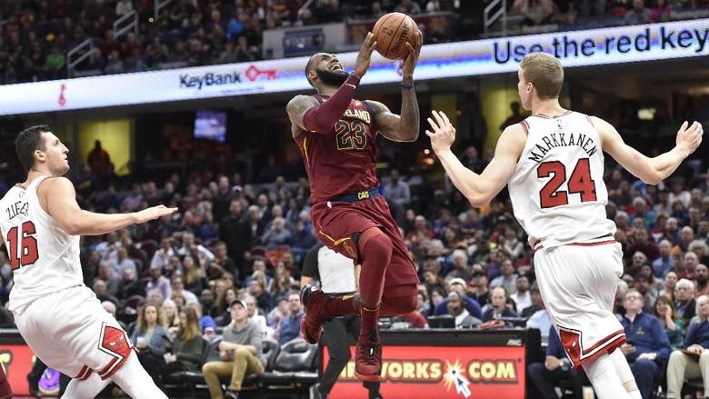 James Pimpin Cavaliers Jinakkan Bulls