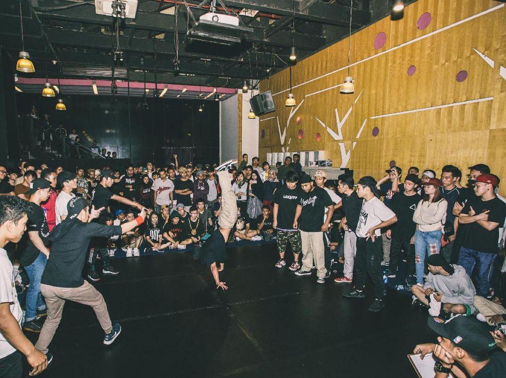 Ratusan Peserta Ramaikan Kompetisi Breakdance di Jakarta