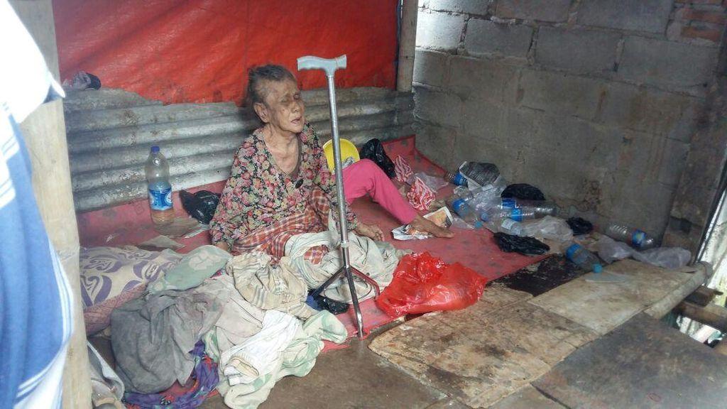 Foto: Ini Mak Eneng, Nenek Telantar yang Pernah Ditemui Anies