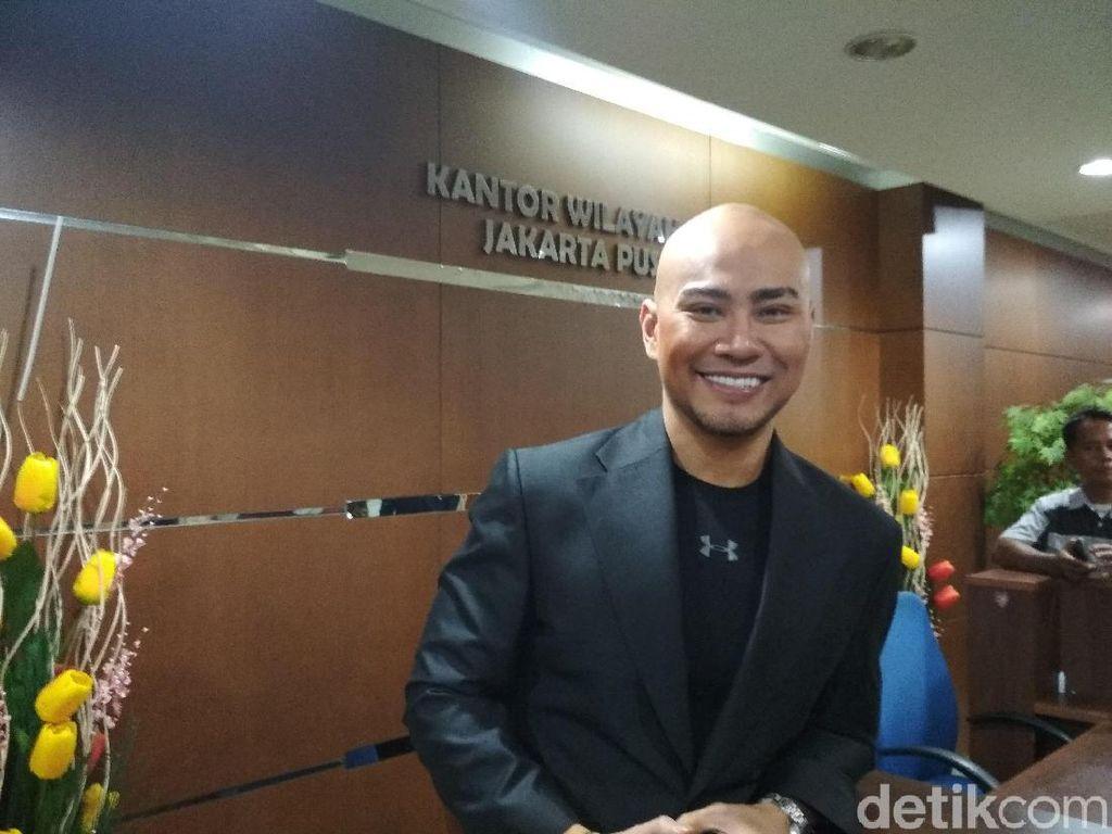 Gaya Deddy Corbuzier Bantu Angkat Beban Kekasih Disorot Netizen