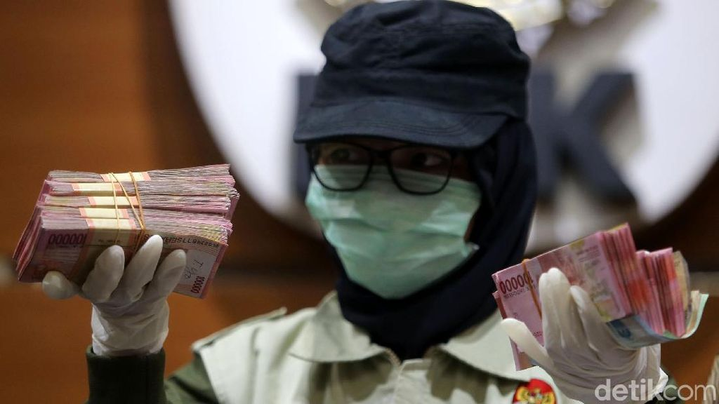 Dipimpin Basaria, Penyidik Perempuan KPK Bongkar Suap Bupati Nganjuk