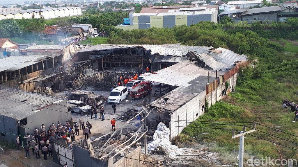 Ngeri! Ini Penampakan Pabrik Kembang Api yang Meledak, Difoto dari Atas