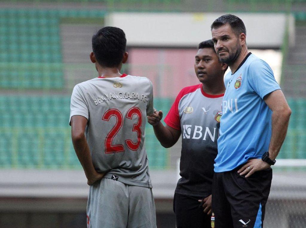Sambil Tunggu Jawaban Milla, PSSI Siapkan Pelatih Asing dan Lokal