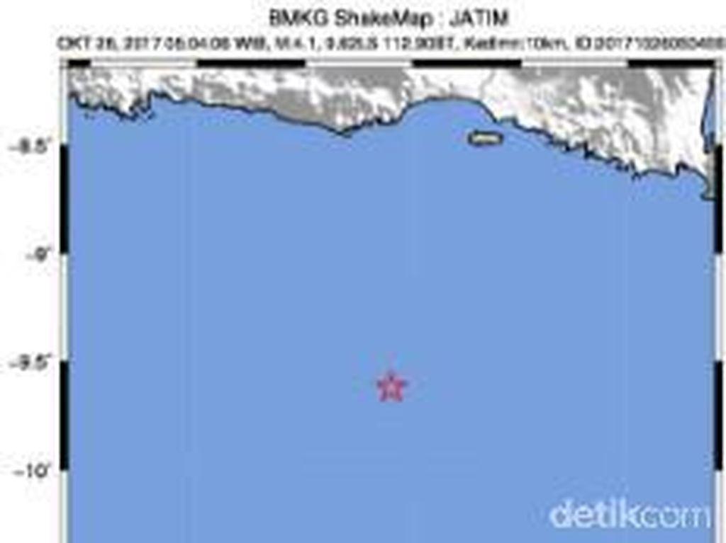 Malang Diguncang Gempa 4,9 SR Sebanyak 8 Kali
