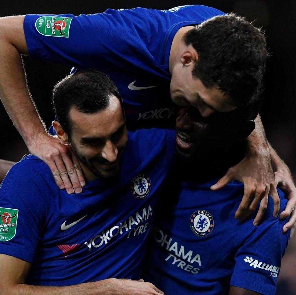 Chelsea Takkan Biarkan Barca Lama-lama Kuasai Bola