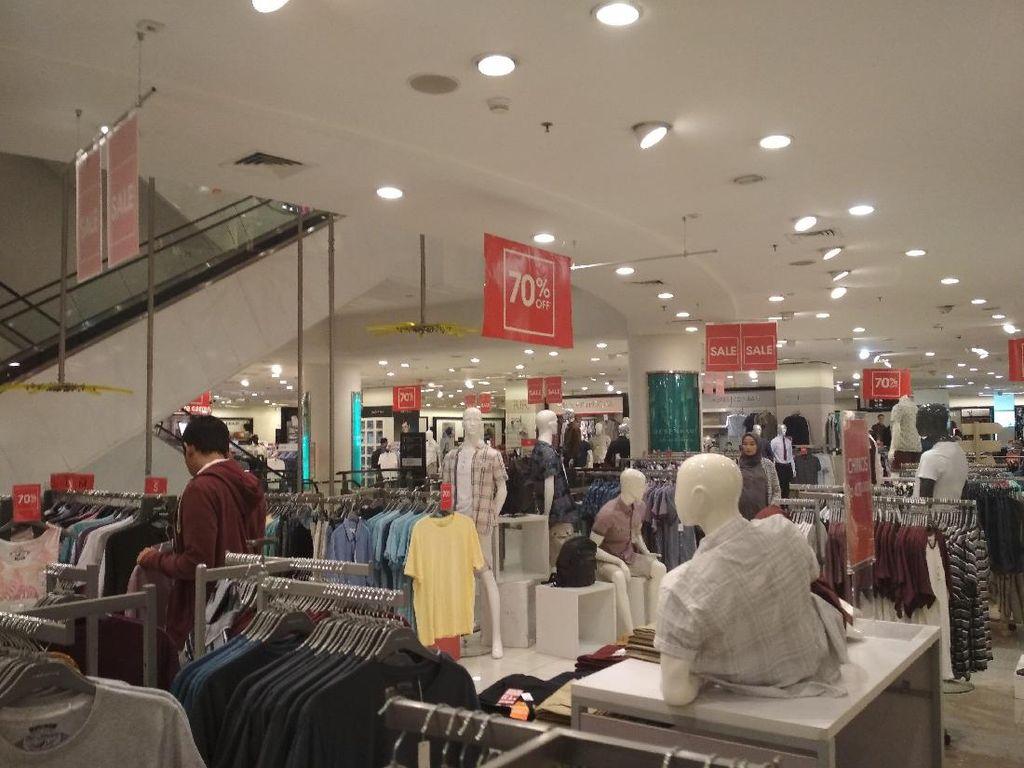 Uniqlo Hingga Zara Akan Gantikan Debenhams di Senayan City