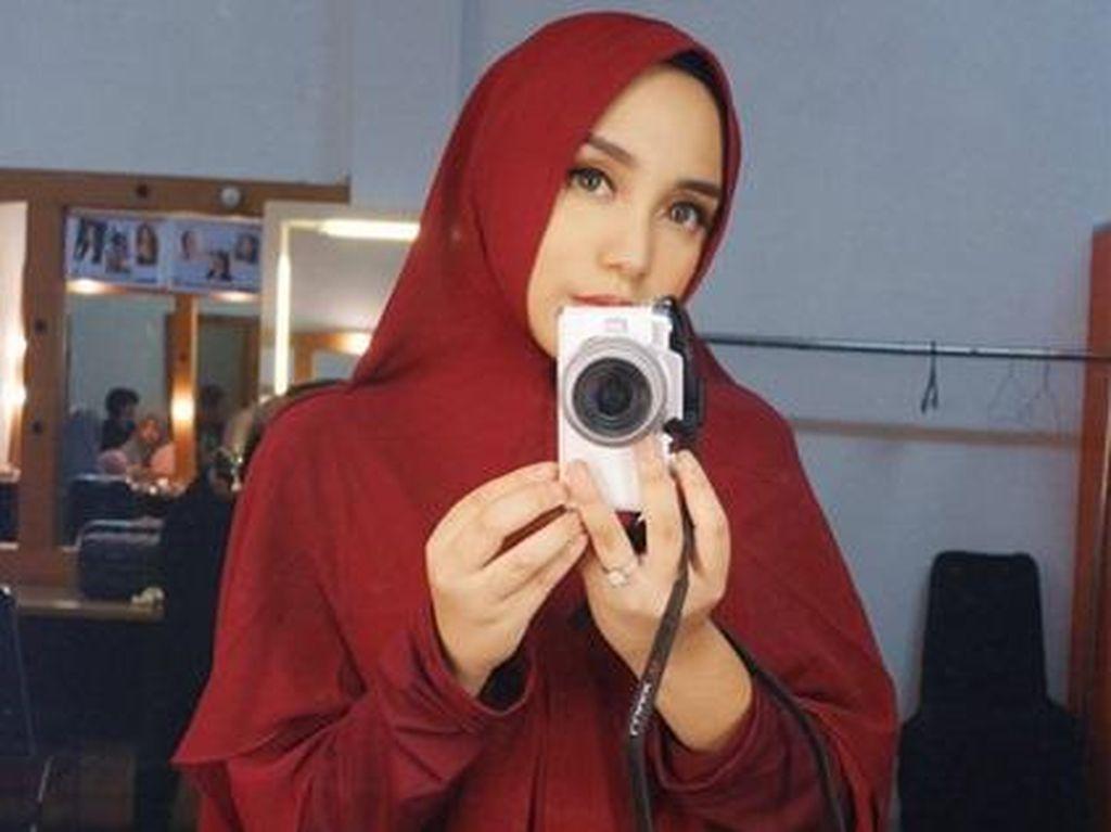 Pose Melet Taqy Malik Bikin Salmafina hingga Sarah Gibson Geram