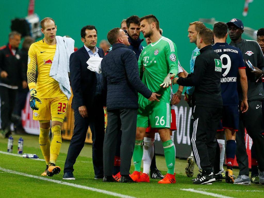 Terkait Insiden Ponsel, Direktur Olahraga RB Leipzig Dikritik