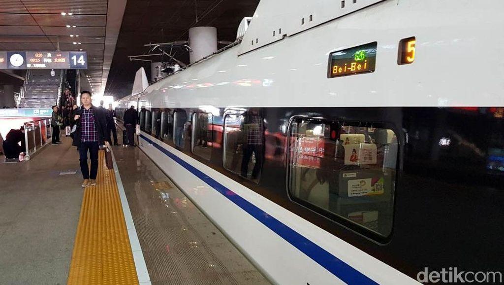 Begini Stasiun Terbesar di Asia dan Mewahnya Kereta Cepat China