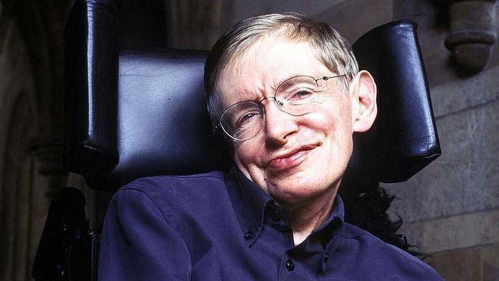 Mendiang Stephen Hawking Ternyata Suka Minum English Tea dan Scotch Whisky