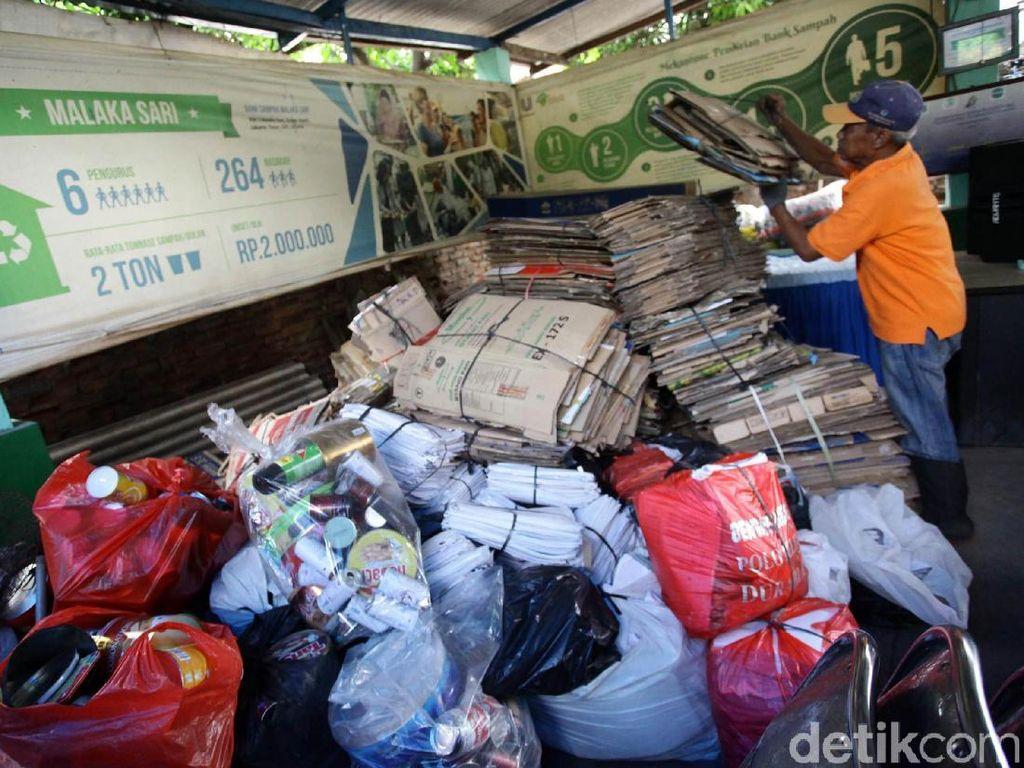 Keren! Bank Sampah Ini Kurangi Limbah Jakarta