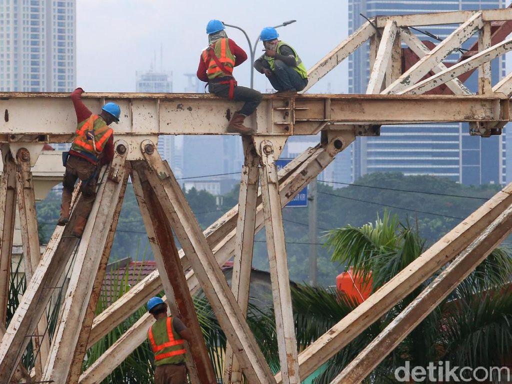 Tantangan Jokowi Bangun Infrastruktur: Sudah Dibebani Utang Duluan