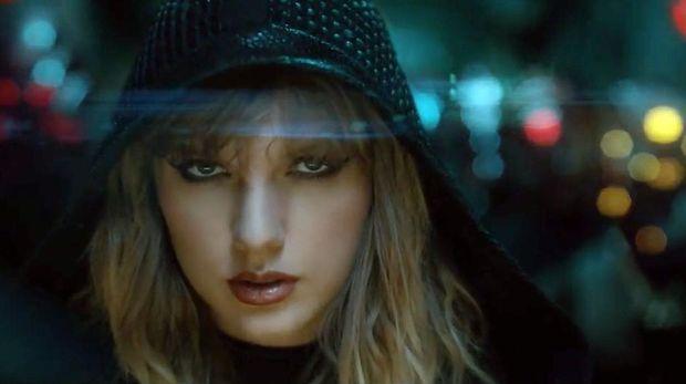 Taylor Swift Keluhkan Larangan Nyanyikan Lagu Lama di AMA