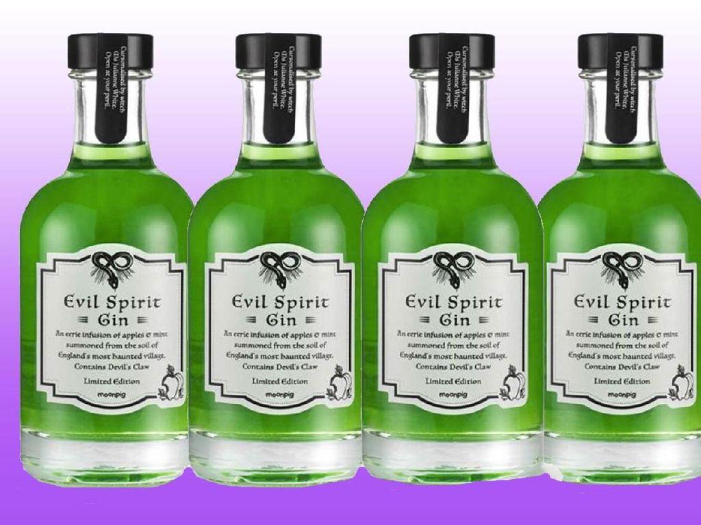 Hii.. Mau Coba Evil Spirits Gin yang Dibuat dengan Kutukan Penyihir?