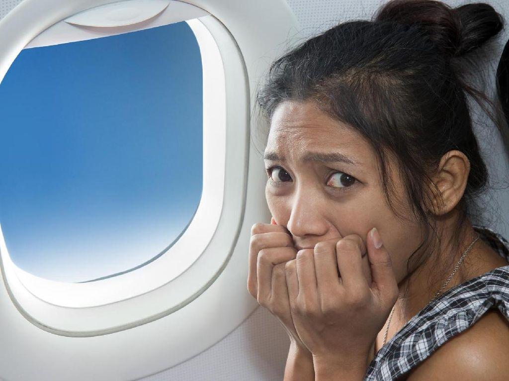 Beragam Alasan Psikologis Orang Belum Berani Naik Pesawat