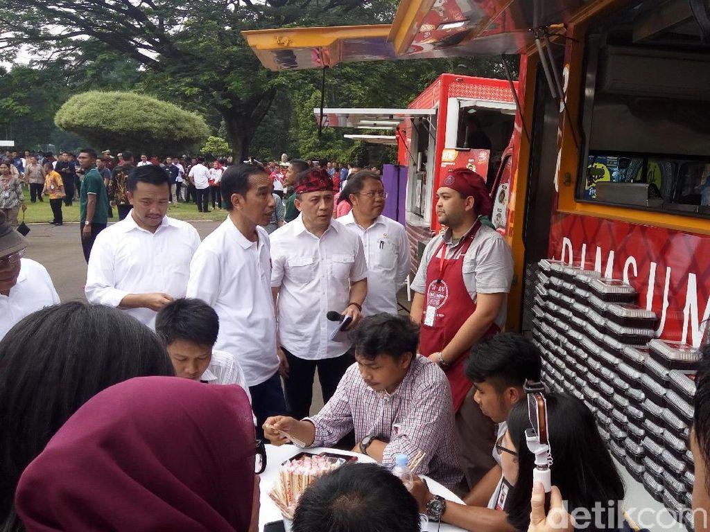 Jokowi Ingin DKI Bisa Bantu UMKM Kembangkan Food Truck