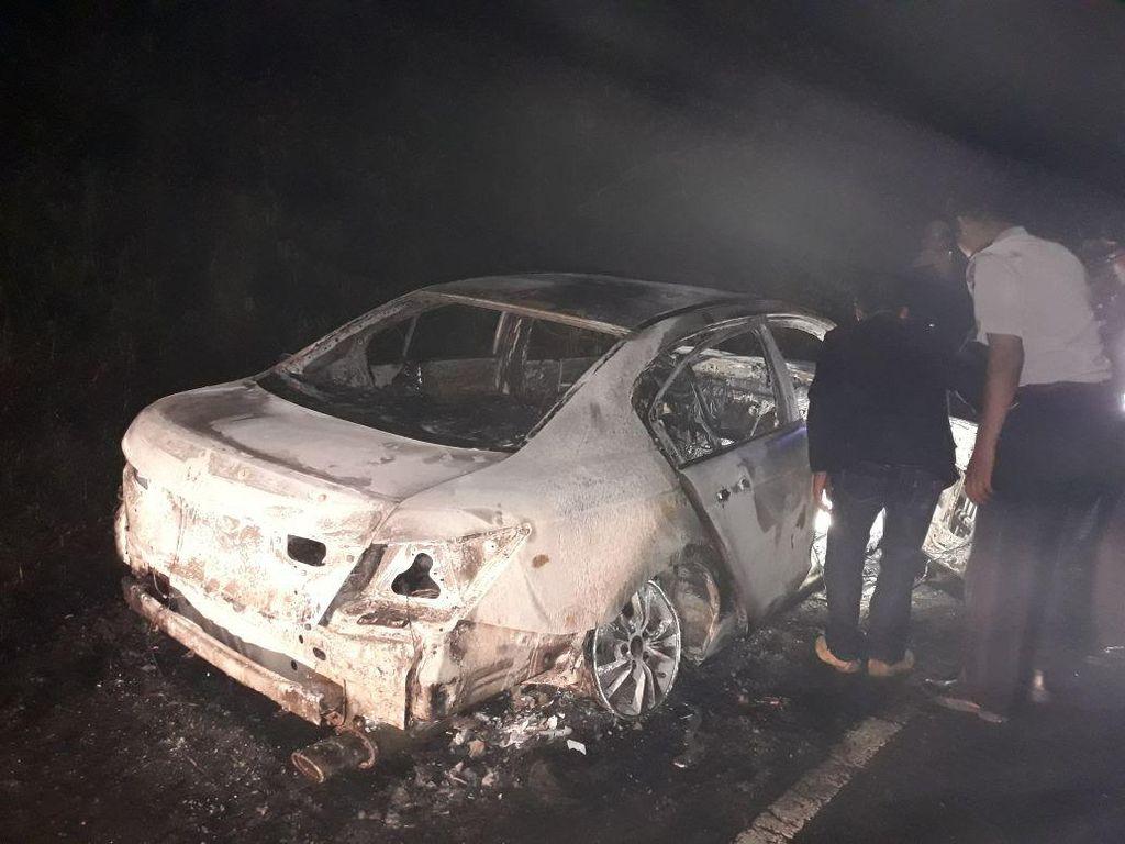 Tahun Baru di Prancis, Ribuan Mobil Dibakar