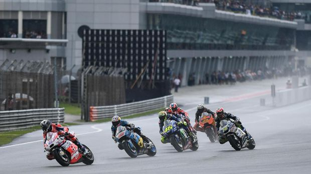 Perpanjangan kontrak Rossi di Yamaha memastikan sang pebalap akan dikerumuni pebalap-pebalap muda pada musim mendatang.